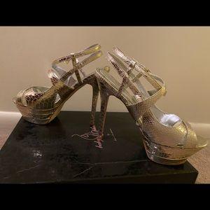 Baby Phat kimora Lee Simmons gold stilettos 8M